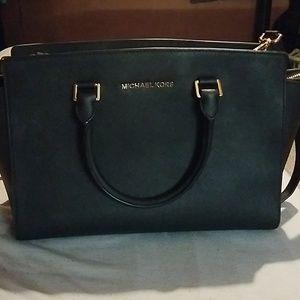 Michael Kors Selma black purse